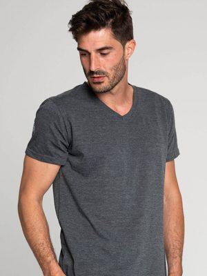 Camiseta antimosquitos hombre cuello pico gris 1